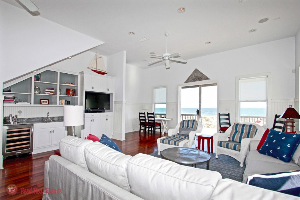 Mighty Fine Gulf Front home